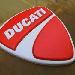 Logo Ducati intagliato a mano ed aerografato 18x16